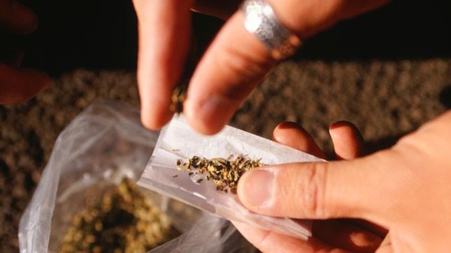 FDA CONSIDERS LOOSENING UP ON MARIJUANA
