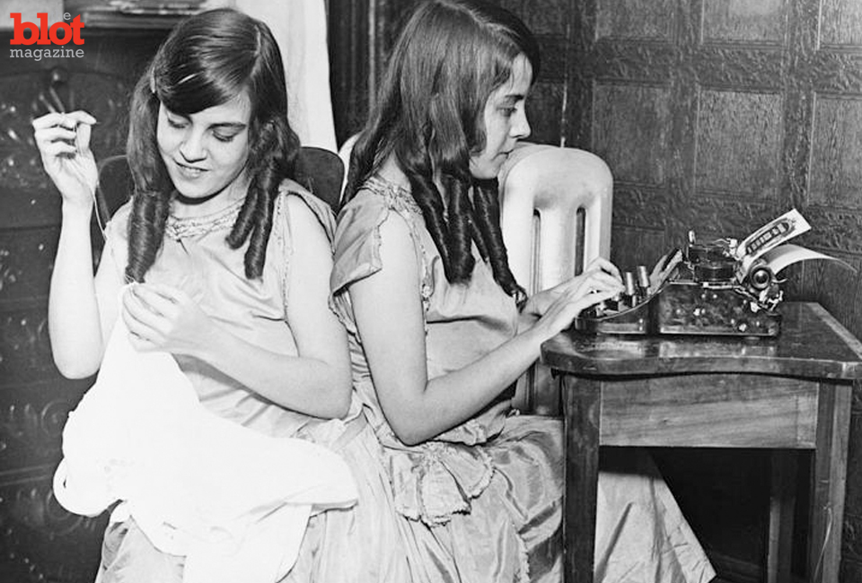"""An """"American Horror Story: Freak Show"""" subplot was inspired by real-life conjoined twins Daisy and Violet Hilton, who spent years on the vaudeville circuit. (Quazoo.com image)"""