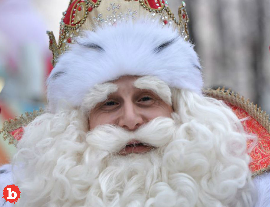 Russian Santa Has Heart Attack, Dies in Front of Kids
