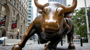 Wall Street Bull Damaged After Man Attacks With Banjo