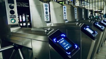 NYC Commuters Getting Extra Charge With Apple Pay