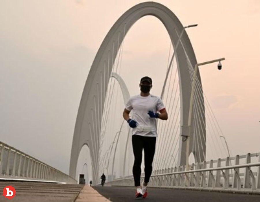 Young Jogger Gets Collapsed Lung from Wearing Coronavirus Mask