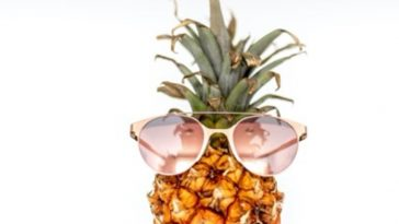 8 Reasons Everyone Should Eat Pineapple Every Damn Day
